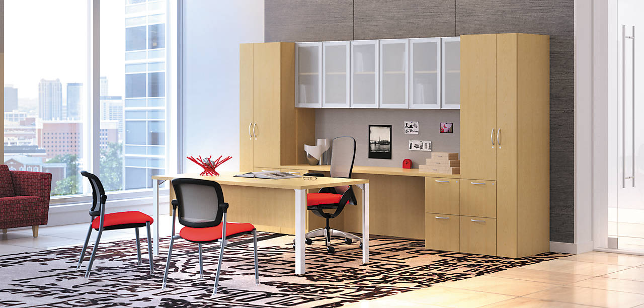 Centerpiece Desk with Workwall