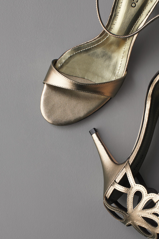 Clipped Corolla Heels