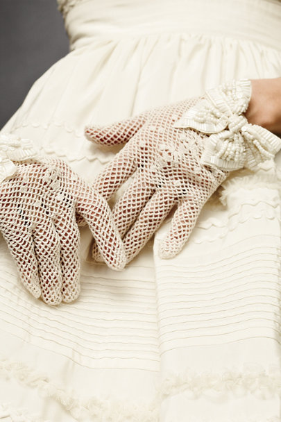 renee's accessories Ivory Unabashedly Gloves | BHLDN