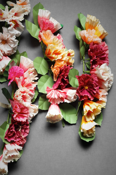 Multi Papered Posy Ceremony Garland | BHLDN