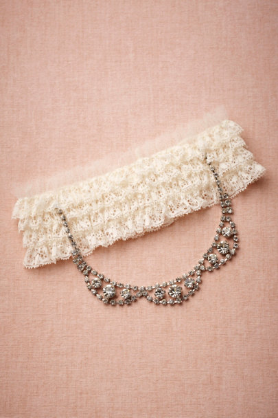 Ivory Tethered Tiara Garter | BHLDN