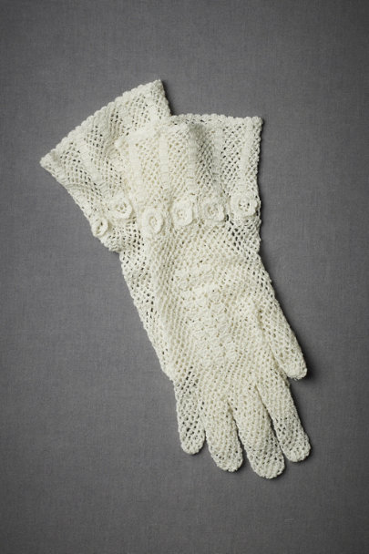 Ivory Veranda Wrist Gloves | BHLDN