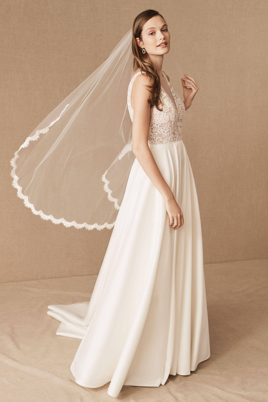 For Sale : Gorgeous Lazaro 3004 Wedding Gown