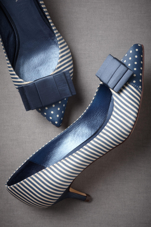 Aquitani Heels