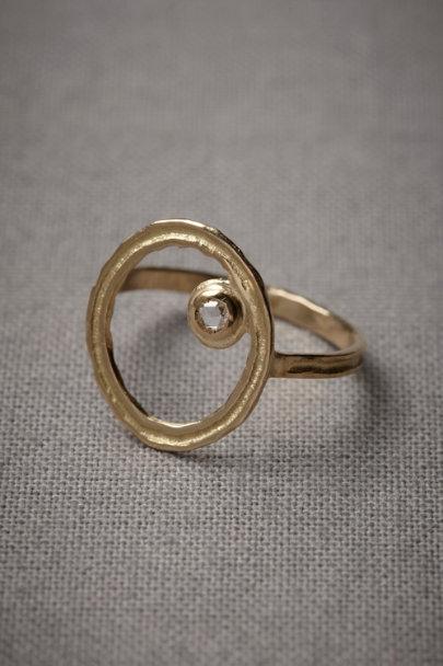 Unearthly Orbit Ring