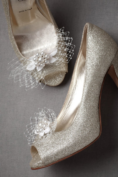 Ivory Iced Brier Shoe Clips | BHLDN