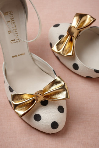 Gilt Shoe Bows