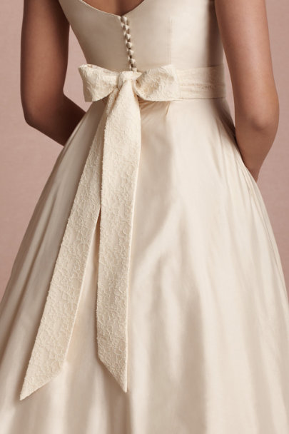 nude Luxe Lace Sash | BHLDN