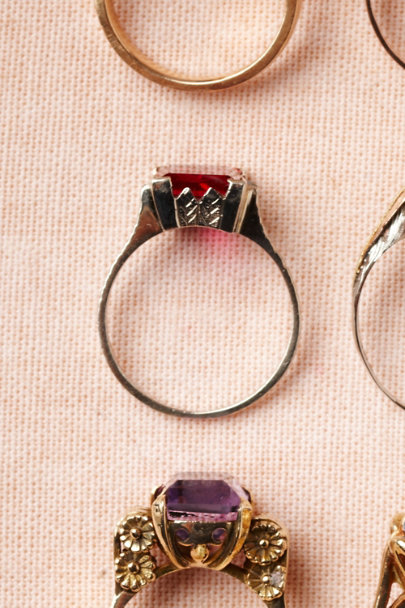 red Roman de la Rose Ring | BHLDN