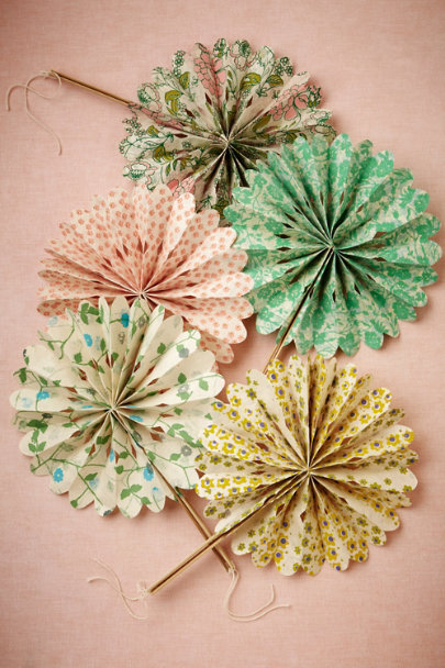 BOTANICAL MOTIF Celebration Crinkle Fans (10) | BHLDN