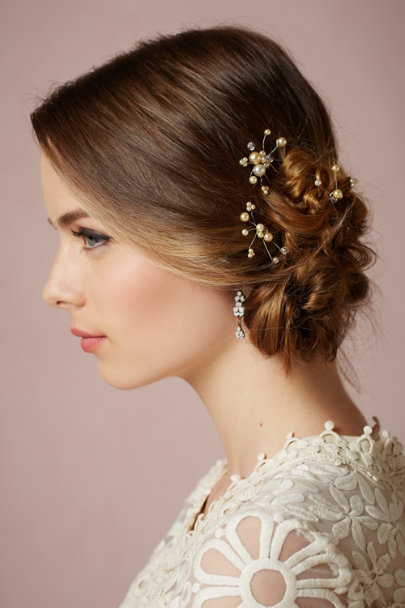 Eric et Lydie pearl Heartsease Earrings | BHLDN