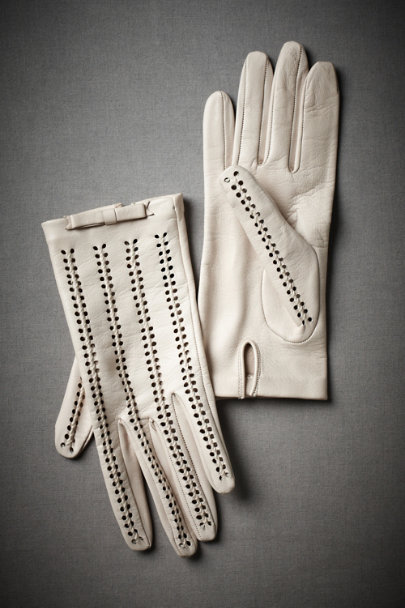 nude Sweet Pea Gloves | BHLDN