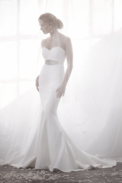 Catherine Deane ivory/opal Interstellar Sash | BHLDN