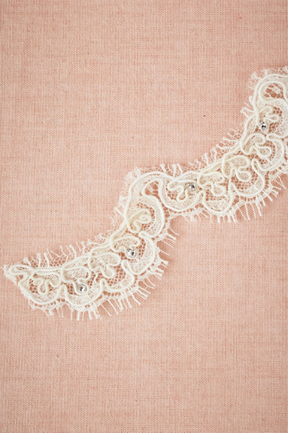 Debra Moreland crystal Airy Lace Veil | BHLDN