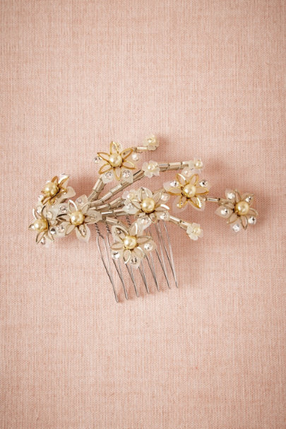 Pearled Daisy Comb