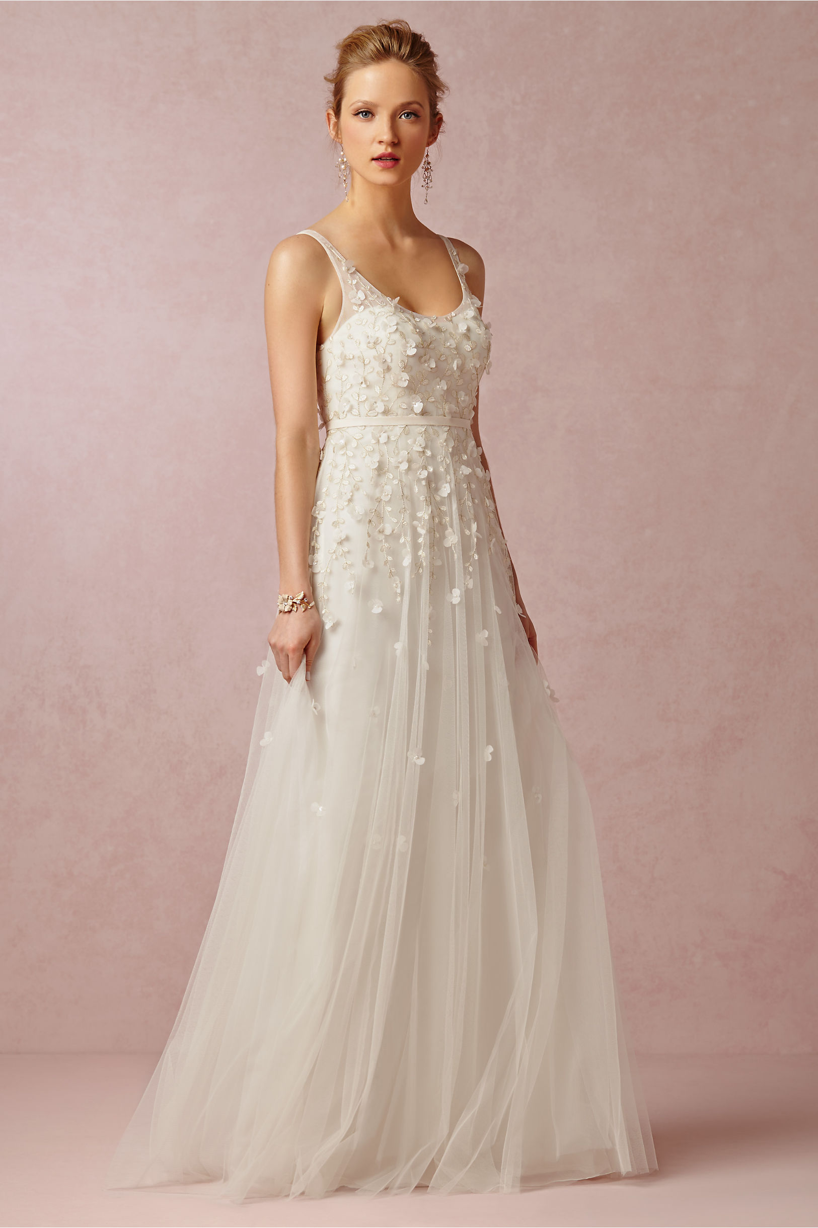 Which dress is better for the beach for Anthropologie beholden wedding dress