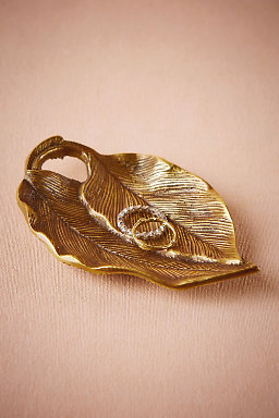 Antiquated Leaf Ring Dish