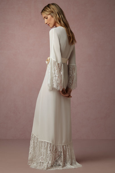 James Coviello Ivory Queen Anne's Lace Robe | BHLDN