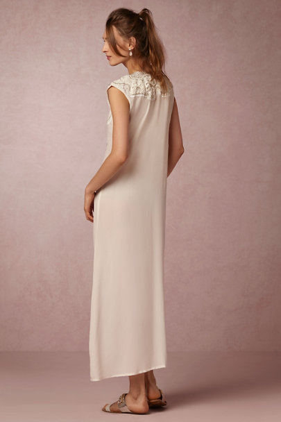 Ivory Hollyhock Kaftan | BHLDN