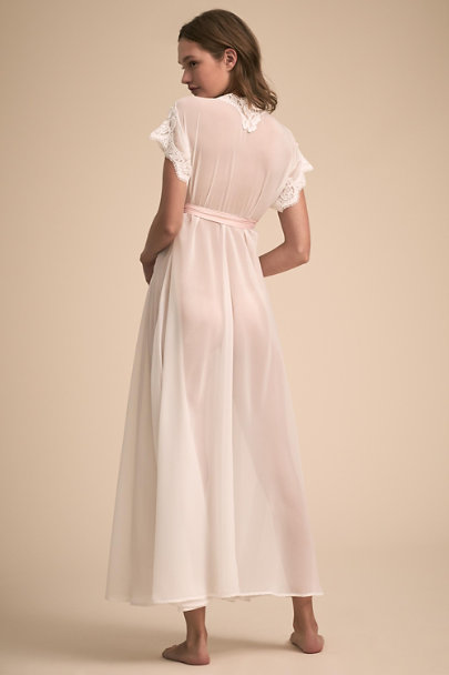 Homebodii Ivory Danika Robe | BHLDN