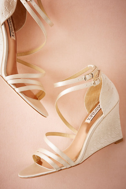 Badgley Mischka Ivory Valencia Wedges | BHLDN
