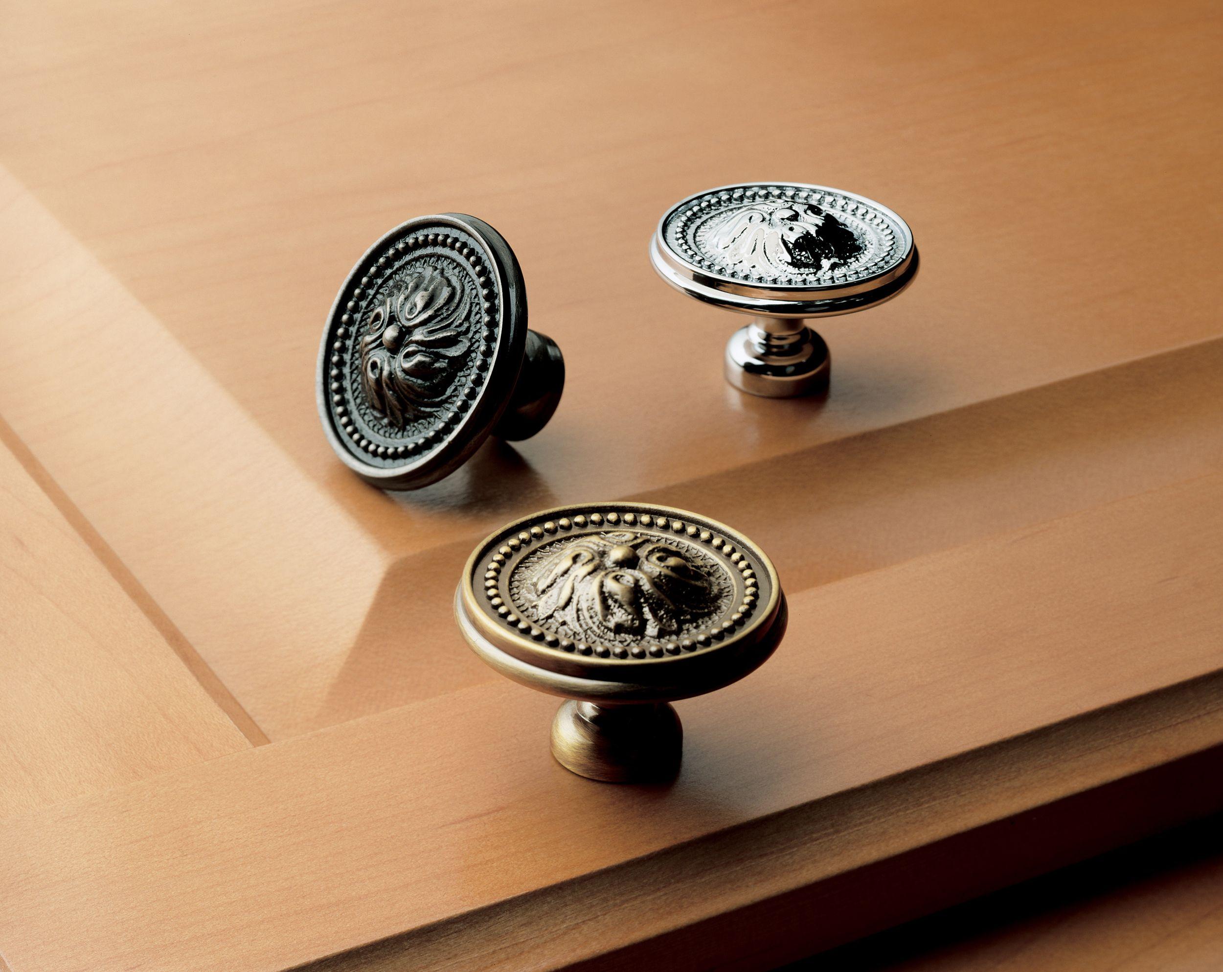 4931 Ornamental Knob