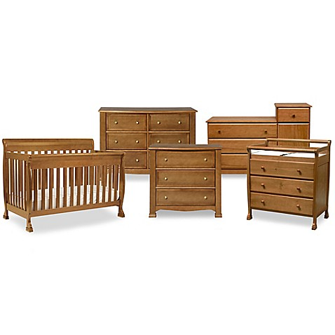 DaVinci Kalani Baby Furniture Collection in Chestnut Bed
