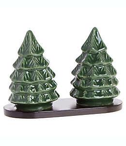 Salero y pimentero Bee & Willow™ Home en forma de árbol de Navidad