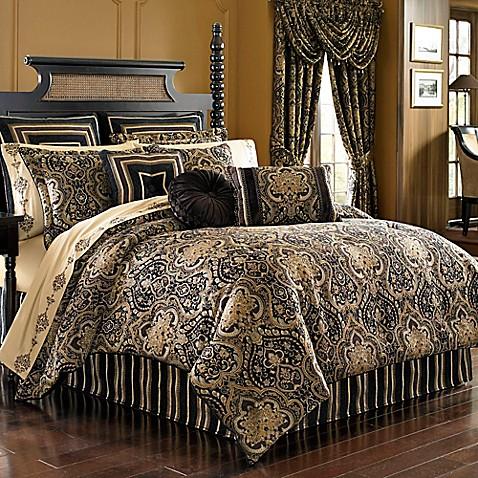 Queen set bedroom