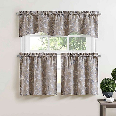 Blue bird 14 inch scalloped window valance in blue bed for 14 inch window