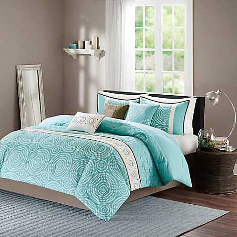 Madison Park Phoebe 7 Piece Comforter Set In Teal Bed
