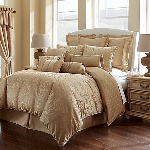 Waterford 174 Linens Lynath Reversible Comforter Set In Gold