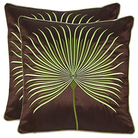 Safavieh Leste Verte 22-Inch x 22-Inch Throw Pillows in Green (Set of 2) | Tuggl
