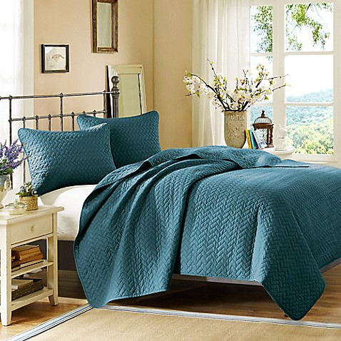 Hampton Hill Bennett Place Coverlet Set In Peacock Bed