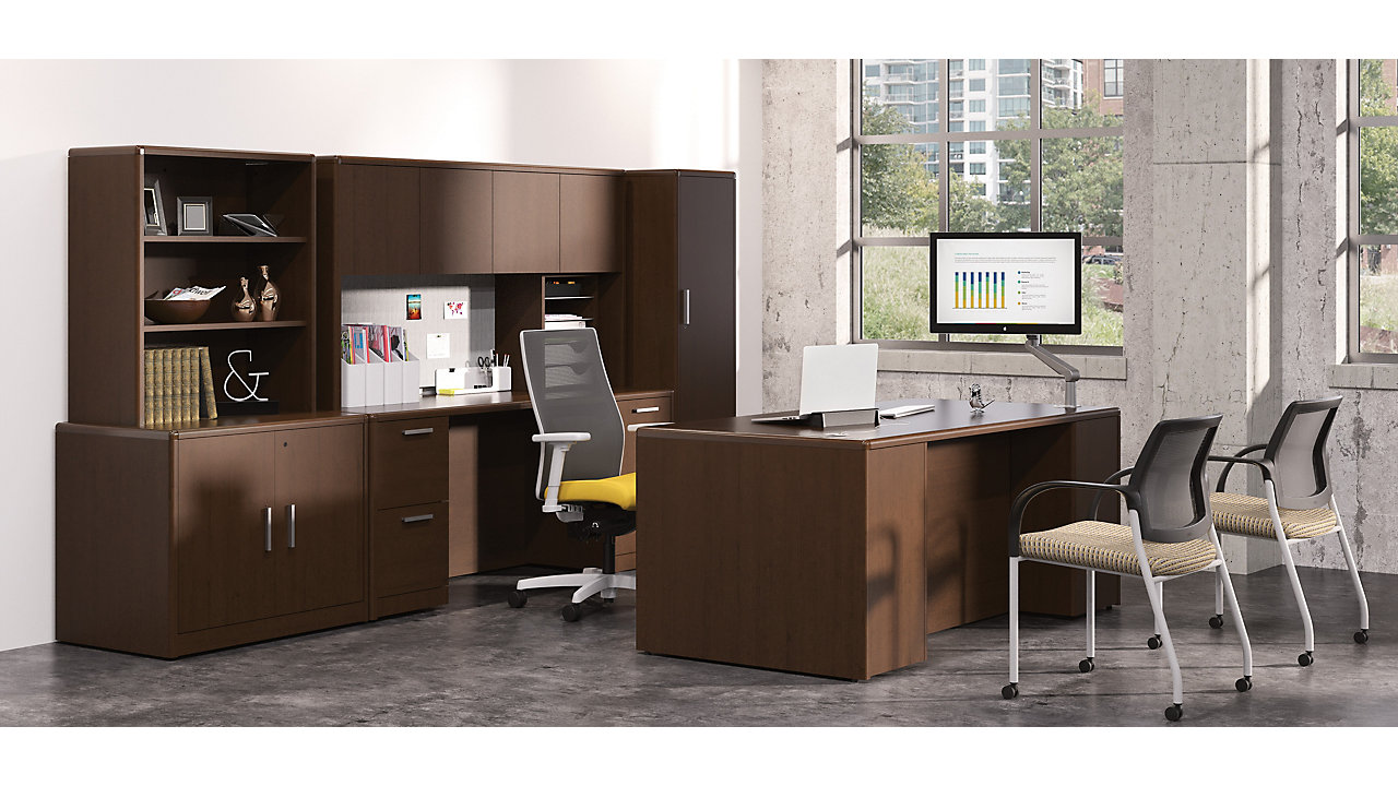 10700 Series with Workwall in a Private Office