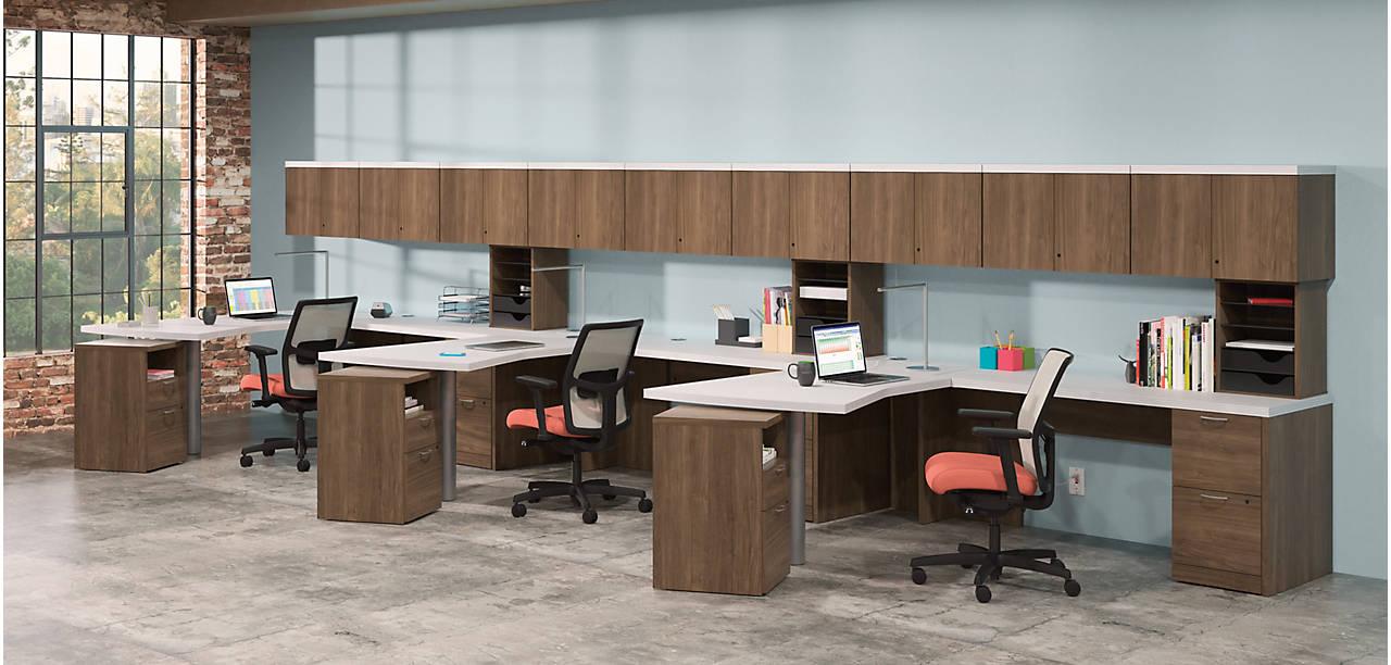 Valido Desk in an Open Office Space