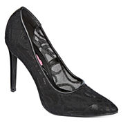First Love Tender Lace Pumps