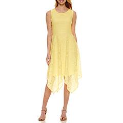 Ronni Nicole Sleeveless Lace Maxi Dress