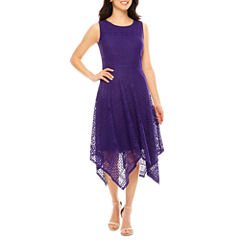 Ronni Nicole Sleeveless Lace Hankey Hem Maxi Dress