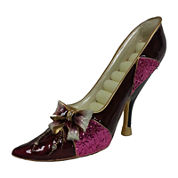 Burgundy Bow Shoe Ring Holder