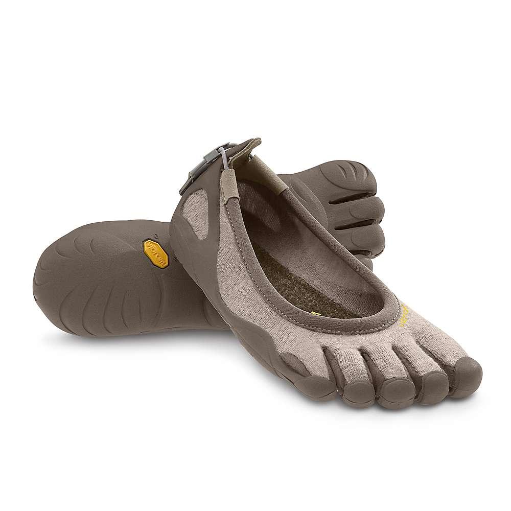 vibram five fingers s classic shoe at moosejaw