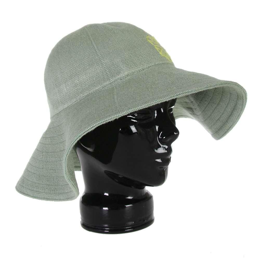 burton delovely hat s at moosejaw