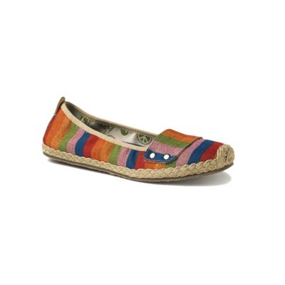 Freewaters Women's Georgia Print Shoe
