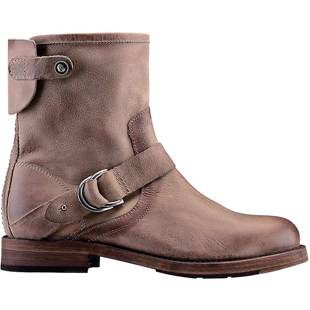 olukai s nahuku boot moosejaw