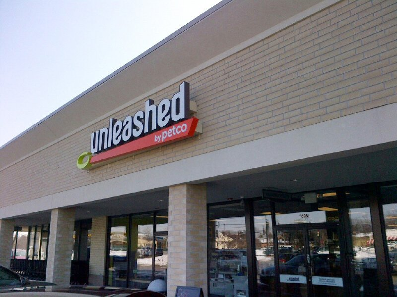 Neighborhood Pet Store Glen Ellyn | Unleashedby Petco