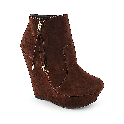 Dollhouse Villain womens chestnut platform wedged ankle boot