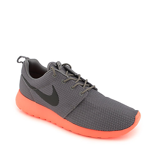 Nike Rosherun grey and crimson athletic running sneaker