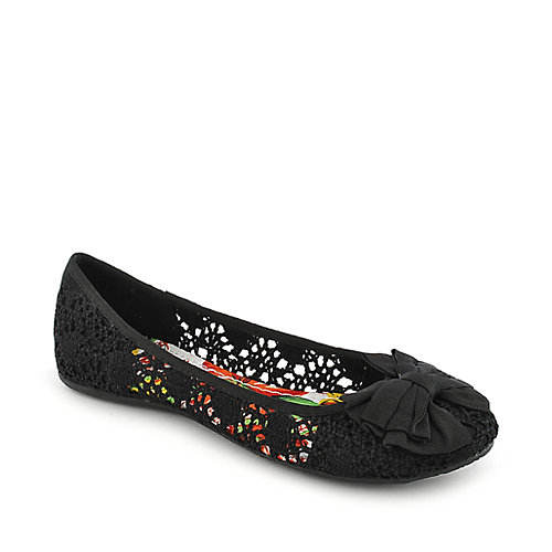 Soda Crest-S casual black flat slip on shoe