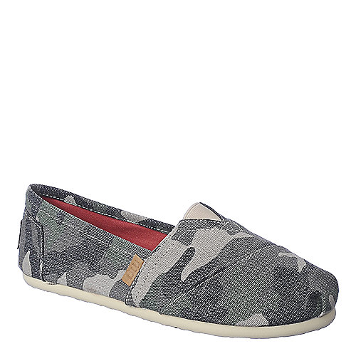 Madden Girl Gloriee womens casual slip-on flat