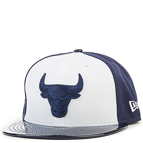 9cc2140e70c Retro Hook Chicago Bulls Fitted Hat